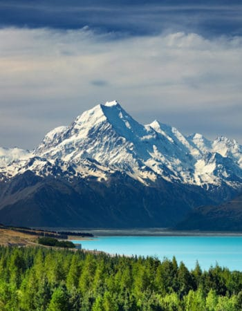Expat Diane visits Mount Cook and Pukaki lake, New Zealand