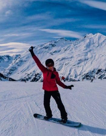 Expat Ekatarina skiing