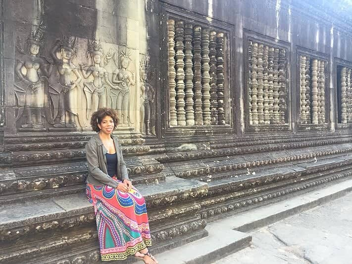 Nialah figure out how to become a travel blogger by doing it!