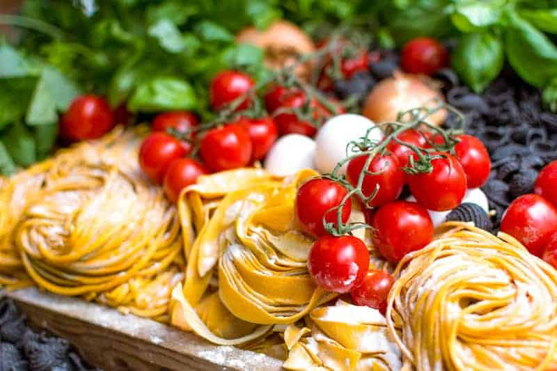 Italian fresh food from a market - reasons to live in Europe