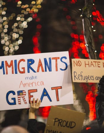 Sign saying that immigrants make America great