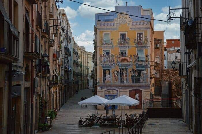 A beautiful Spanish street, a possible home for Spanish citizens.